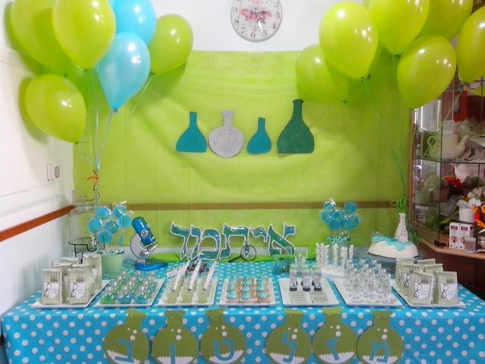 שולחן מדענים צעירים יום הולדת 7