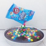 סוכריות נופלות על העוגה גלריית הדרכה