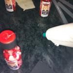 על קצה המכסה עם נקודה קטנה של דבק חם הדבקנו את הבריסטול הריבועי השחור