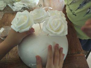 עיצוב מרכז שולחן מפרחים לחג